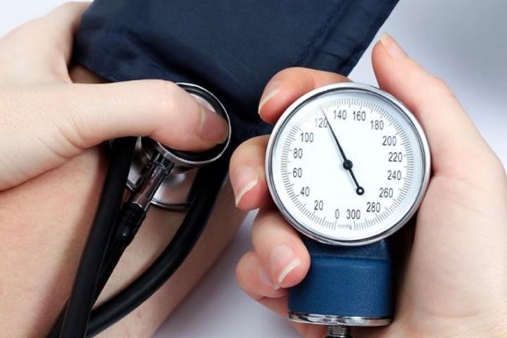 Как же снизить высокое давление, не прибегая к лекарствам? Семь смертных грехов худеющих!