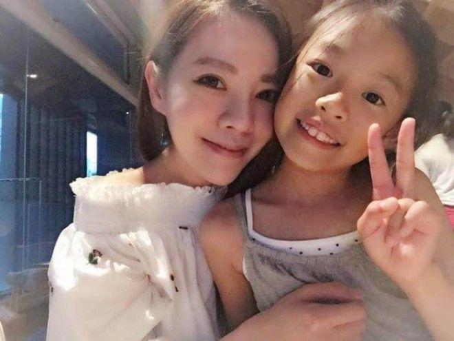 63летняя мама и её дочери ошеломили весь мир своим юным видом