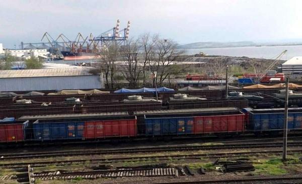 Делятся по-братски: Вболгарском порту Бургас замечены САУ «Гвоздика»
