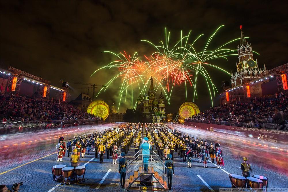 Все краски мира на Красной площади! Спасская башная - 2017