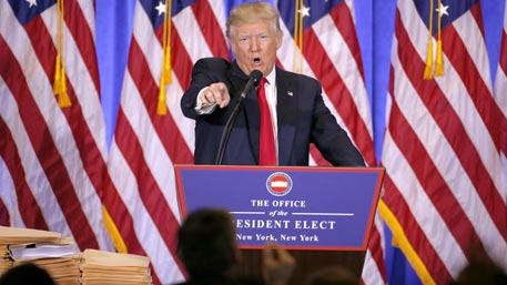 Скандалы и лживые СМИ: чем запомнилась первая пресс-конференция Трампа