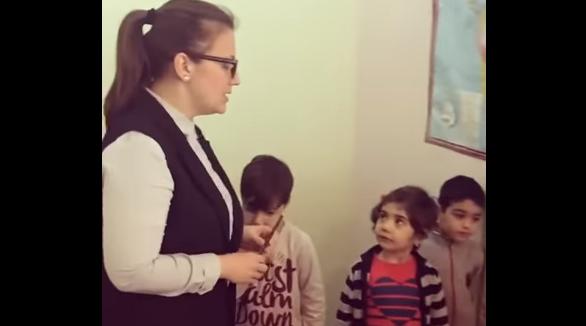 """""""Наши враги - армяне"""": в сеть попало видео урока в азербайджанском детском саду"""