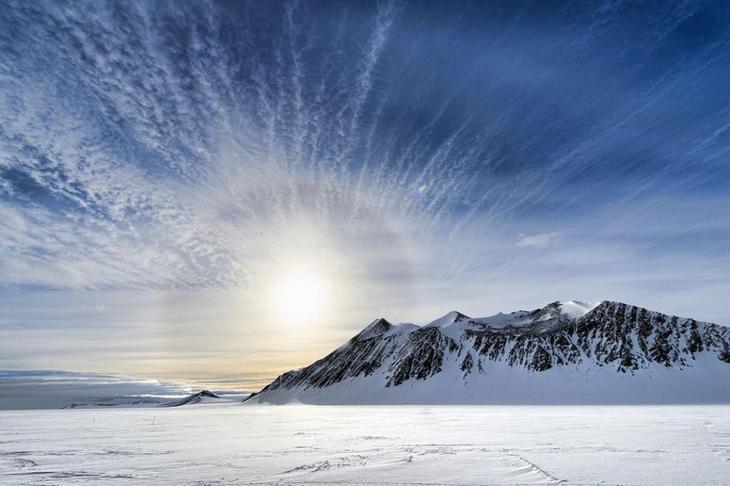 Антарктида – самая большая пустыня мира.