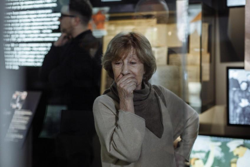 Как тут всё прекрасно! Лия Ахеджакова три часа бродила по «Ельцин-Центру»