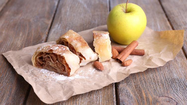 Что получится, если приготовить штрудель, нуделнсуппе и шнитсуппе? Немецкий праздничный обед!