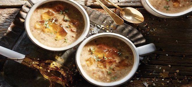 Суп с шампиньонами и твердым сыром