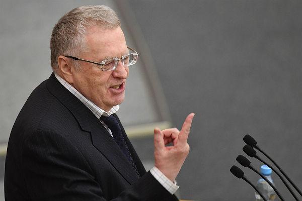 Жириновский предложил отменить каникулы на Новый год
