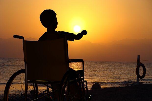 Мама высказалась подруге, что тяжело с ребёнком-инвалидом. Ответ: Или сдай его  в детдом. И нового роди...