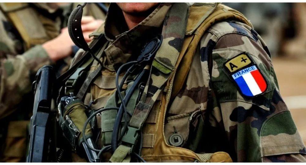 Началось. Париж признал гибель военного советника «на территории между Сирией и Ираком»