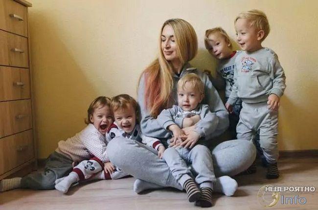 Как живет женщина, родившая пятерняшек в 2016 году