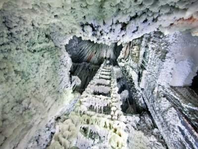 Этот подземный город в Польше словно высечен из соли