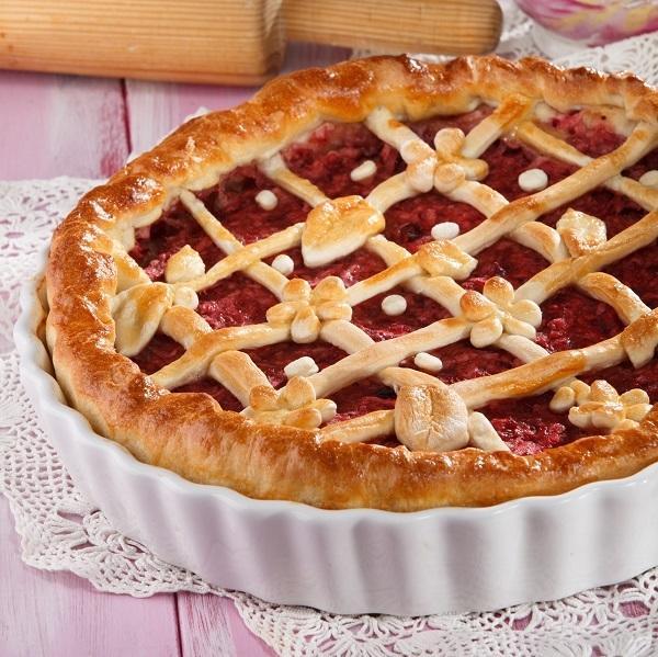 Пирог с клюквой и яблоками