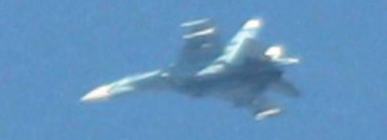 Су-27 ведет учебные бои с F-16 в Неваде
