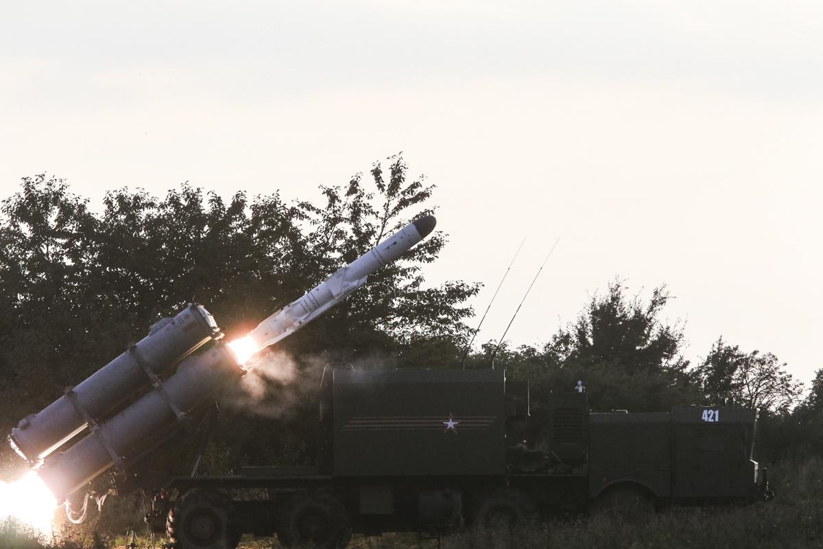 Боевая стрельба берегового ракетного комплекса «Бал» в рамках учения «Запад-2017»