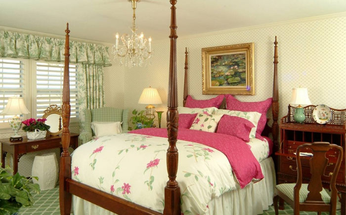 Элегантная классическая спальня