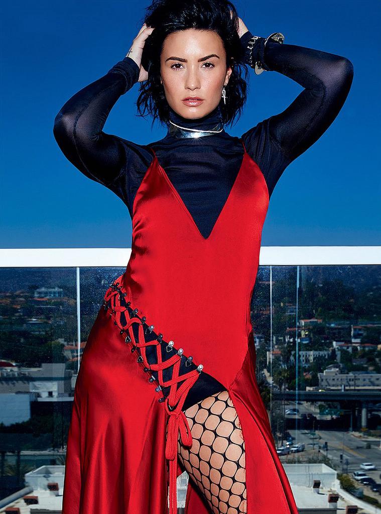 Деми Ловато — Фотосессия для «Elle» CA 2016