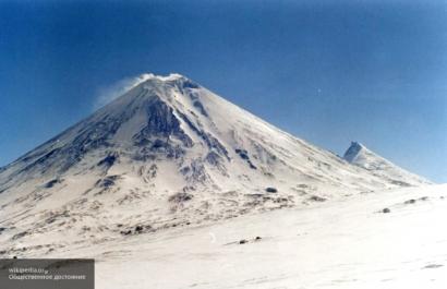 Вулкан Ключевская сопка «выплюнул» пепел на 6000 метров