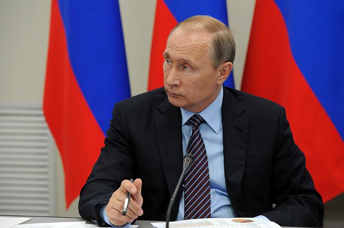 Путин распорядился снова помочь украинскому Геническу поставками газа