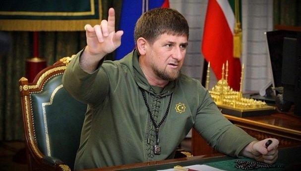 Кадыров подарил машину пятилетнему мальчику, который отжался более 4000 раз