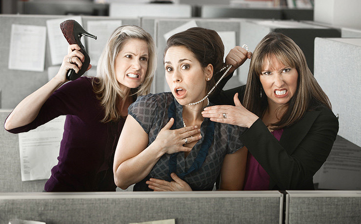 Почему женщины ненавидят женщин? Рассуждает Алина Фаркаш