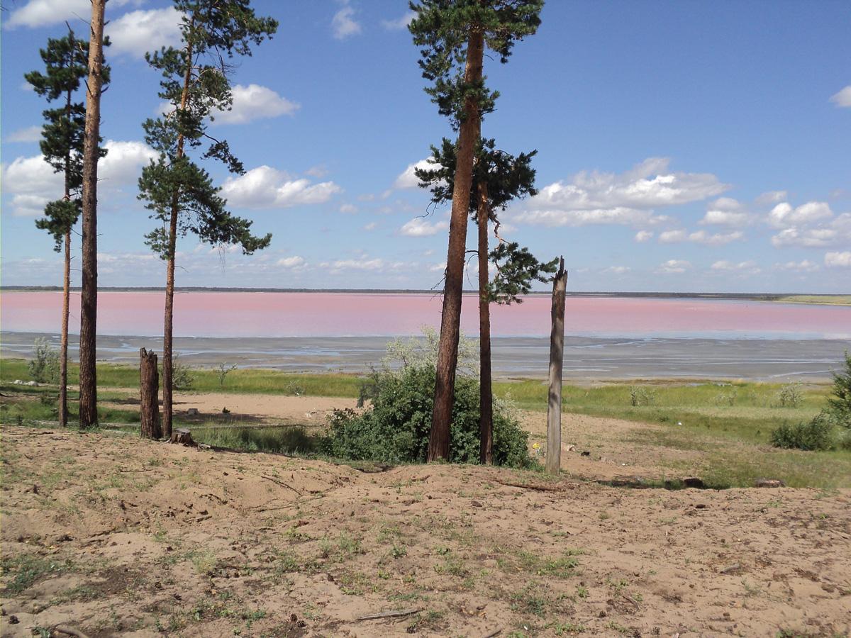 9. Малиновое озеро. 9 уникальных озер