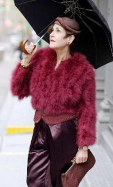 Модная находка для женщин 50+ — цвет бордо