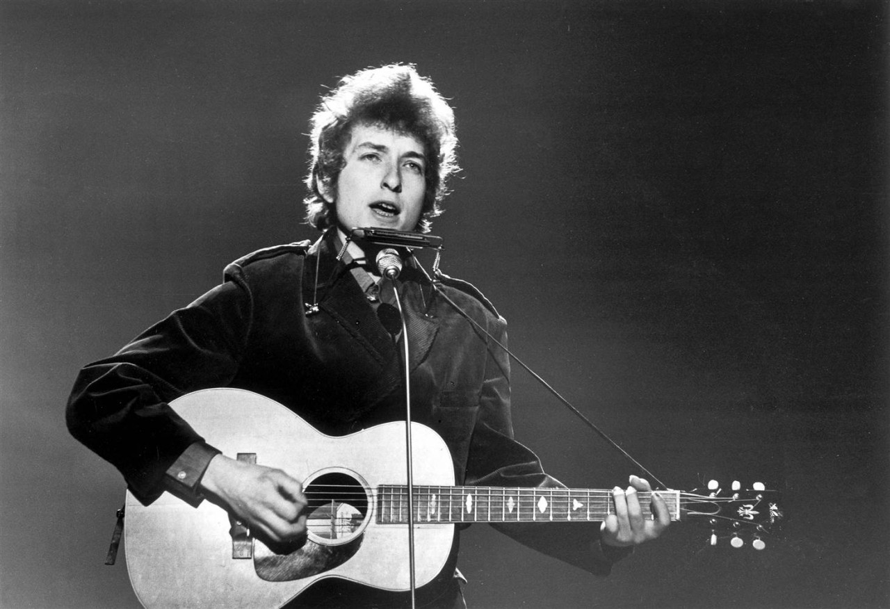 Кто такой Боб Дилан и почему ему дали Нобелевскую премию