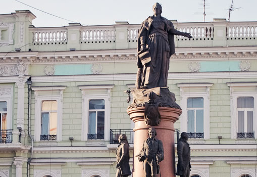 Решение суда в Одессе: «Екатерина» до февраля останется на месте...
