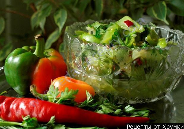 Салат из зеленых помидор на стол