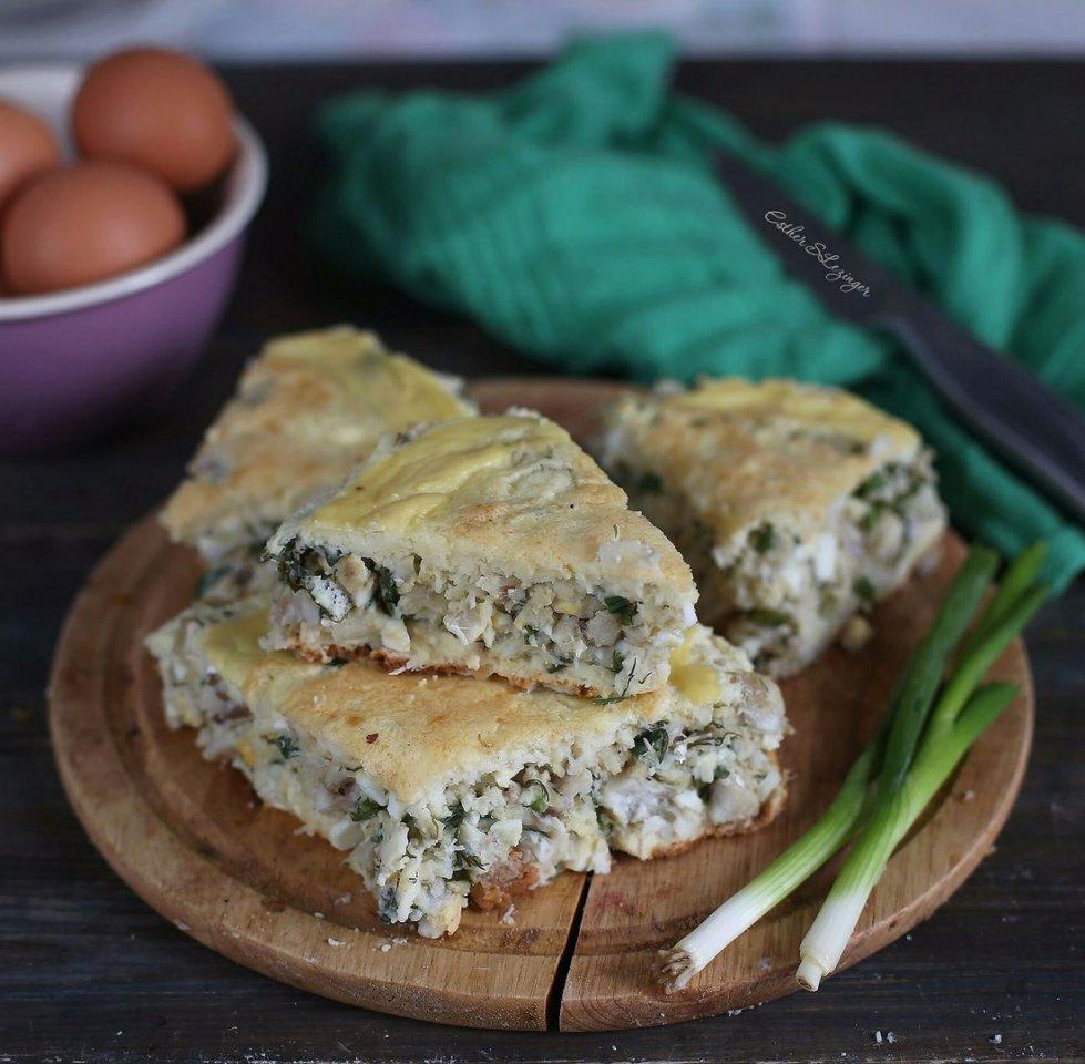 Диетический пирог с треской, яйцами и зеленью