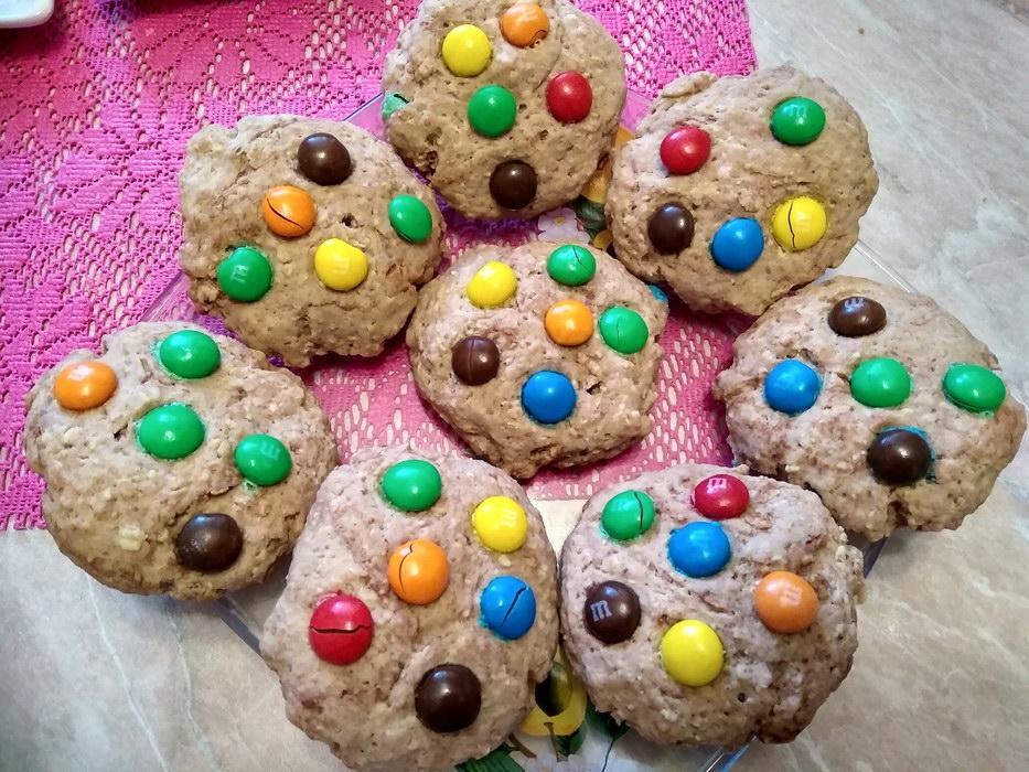 Овсяное печенье с конфетами …