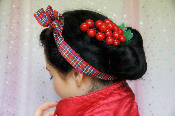 50. Прическа с клюквой волосы, праздник, прическа, рождество