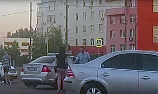 С мигалками через две сплошные: как в Москве ездят в салон красоты