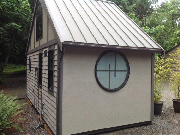 Этот домик построен на 18м², но вы только посмотрите что внутри!