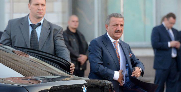 Владелец Черкизона подарит Франции компромат на силовиков в обмен на убежище