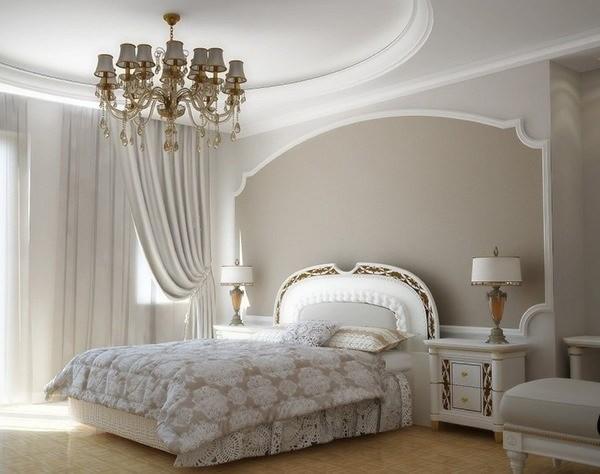 сочетание цветов в интерьере спальни оттенки бледно-бежевого белый элементы золотого