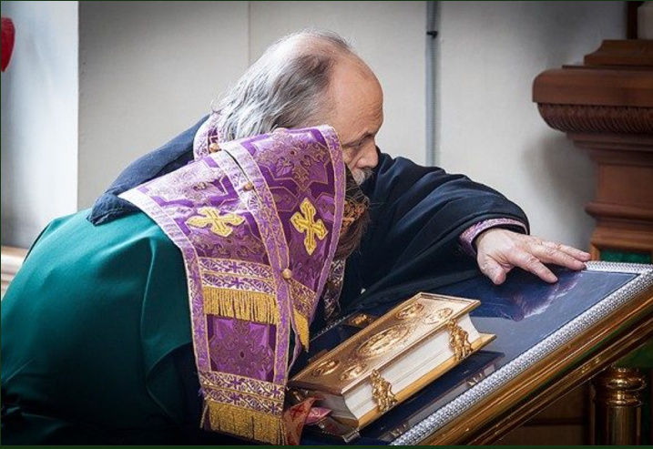 Молитва из сухого сердца еще дороже для Бога. Исцеляющее стихотворение