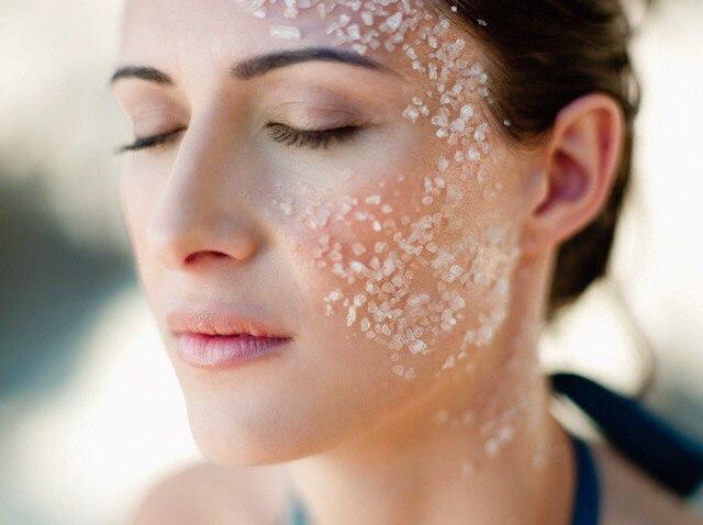 Как почистить лицо содой и солью?