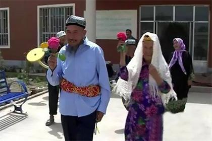 114-летняя китаянка вышла замуж за 71-летнего соседа по дому престарелых