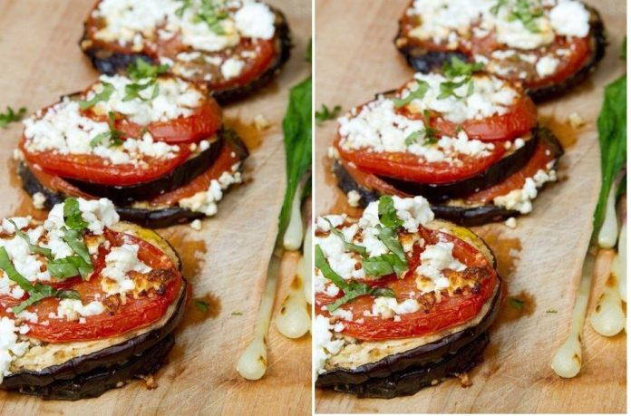 Прекрасная закуска — баклажаны, запеченные с помидорами и сыром