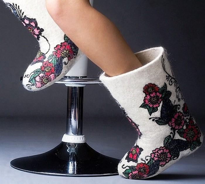 О модной и практичной зимней обуви — женские валенки зимы 2017