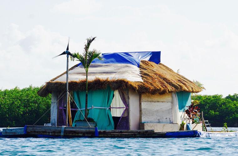 Правила жизни робинзона с острова из пластикового мусора