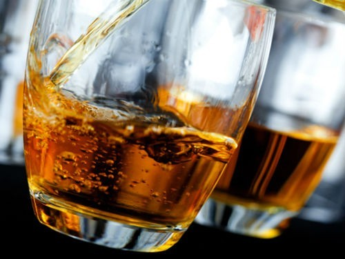 Смертельное сочетание: можно ли принимать лекарства вместе с алкоголем
