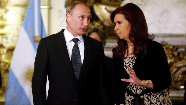 Президент России Владимир Путин и президент Аргентины Кристина Киршнер после переговоров в Буэнос-Айресе