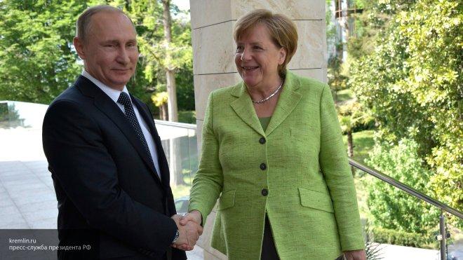 Что-то не договаривает: россияне обсуждают слова Меркель о силе РФ
