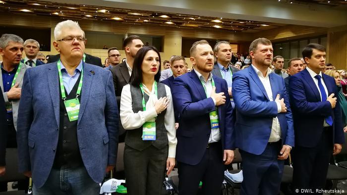 Александр Скубченко: Зачем русскоязычные «Слуги народа» для русскоязычного Донбасса готовят русскоязычный телеканал