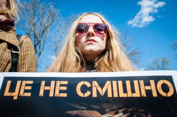 Новости «свободной» Украины: Кива рассказал, за что журналистов NewsOne бьют на улицах