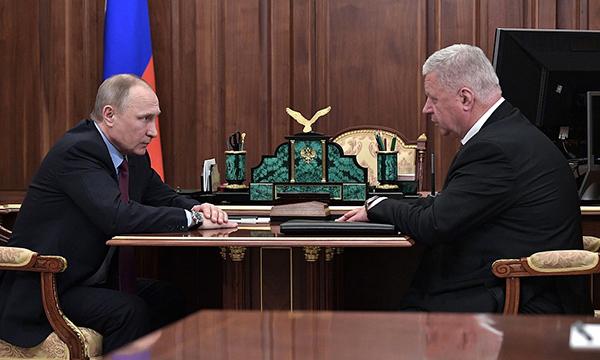Путин поручит Кабмину РФ проработать вопрос о включении надбавок и льгот в состав зарплаты