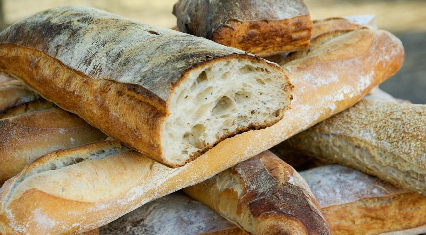 Свежий черствый хлеб