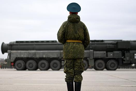 """Россия восстала """"как феникс из пепла"""", заявили в Минобороны"""